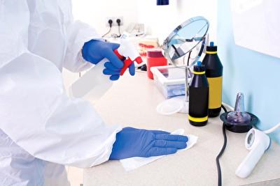 Schutzkleidung bei Corona-Gefahr